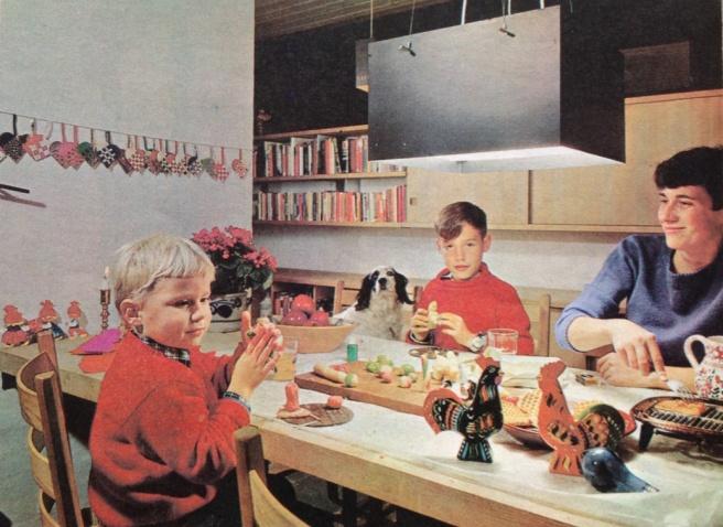 Karen K familie i spisestuen